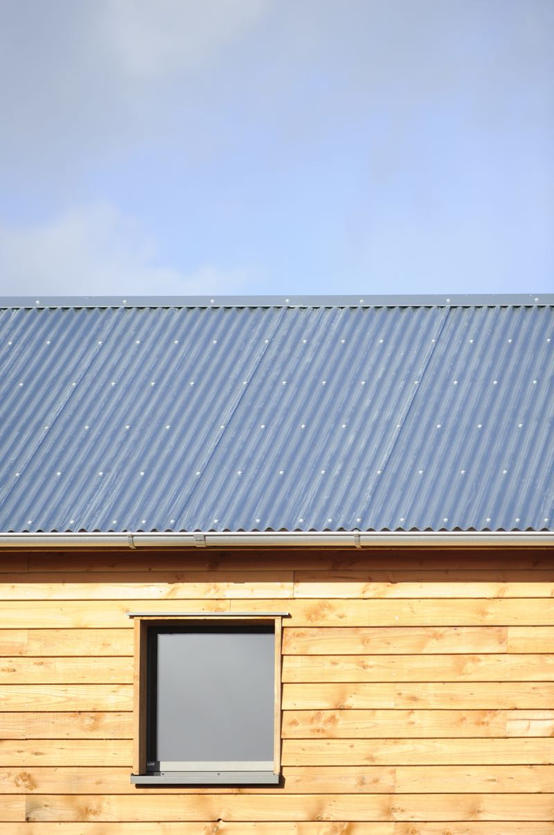 tin roof passivhaus